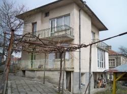 продава-къща-с-росен-център-3370