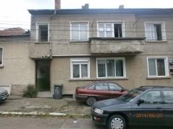 продава-етаж-от-къща-гр-ловеч-широк-център-3692