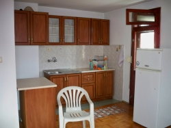 продава-двустаен-апартамент-бургас-център-4440