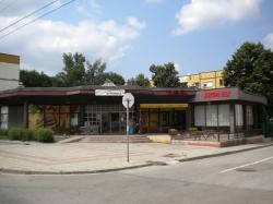 продава-търговски-обект-гр-правец-широк-център-9919