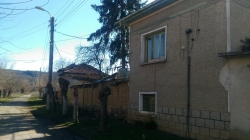 продава-къща-с-александрово-10989