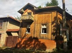 продава-къща-с-голец-11341