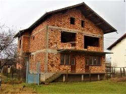 продава-къща-с-баховица-10459