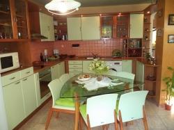 продава-тристаен-апартамент-гр-плевен-широк-център-13572