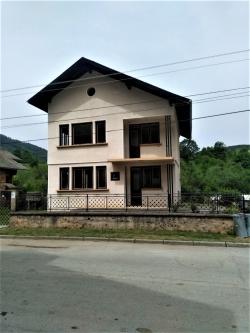 продава-къща-с-кирчево-14590